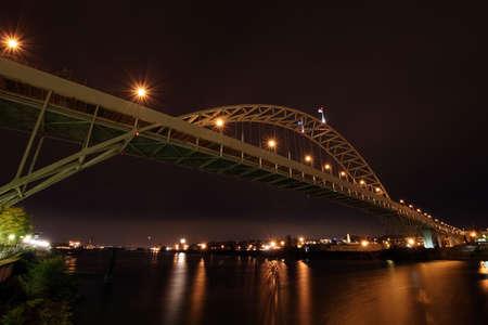 willamette: Fremont Bridge over Willamette River at Night