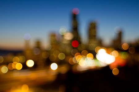 フォーカスの街の明かりからシアトル Downtownn スカイライン