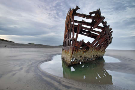 Peter Iredale tijdens Low Tide at Dawn
