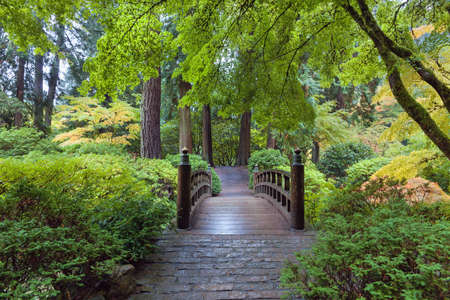 Moon Bridge at Japanese Garden in Portland Oregon Standard-Bild