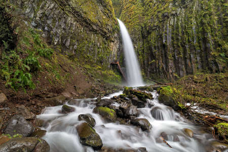 trails: Dry Creek Falls at Pacific Crest Trails in Columbia River Gorge