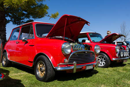 salon automobile: VICTORIAAUSTRALIA - SEPTEMBER 2015: Classic car show on the 13 September 2015 in Corowa. �ditoriale
