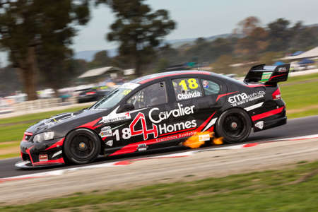 v8: MELBOURNE, WINTONAUSTRALIA, 20 MAY , 2016: Aussie Race cars battle it out at the Kumho Tyre Australian V8 Touring Car Series at Winton.