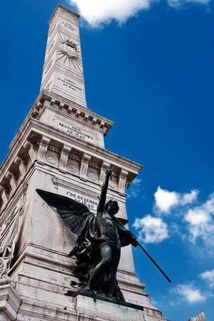 angel de la independencia: Detalle arquitect�nico en Lisboa Foto de archivo