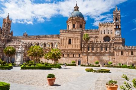 De kathedraal van Palermo is een architecturaal complex in Palermo (Sicilië, Italië). Stockfoto