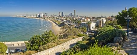 paisaje mediterraneo: Costline vista de Tel-Aviv, visto desde Jaffa-medieval parte de la ciudad de Jaffa era el puerto en ancinet veces