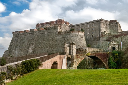 The Priamar fortress of Savona is an imposing structure that overlooks the city center at the port, on the hill bearing the same name, Priam 免版税图像 - 27254362