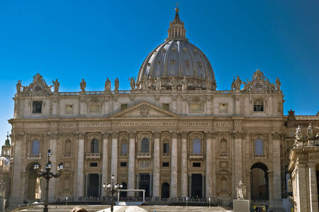 st peter s square: St  Peter s Basilica and St  Peter s Square in Vatican City, Rome, Italy
