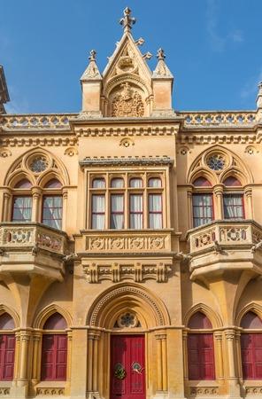 pawl: Bella architettura gotica classica su una casa nella citt� vecchia di Mdina a Malta a Pjazza San Pawl.