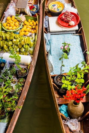 saduak: Damnoen Saduak Floating Market near Bangkok in Thailand Stock Photo