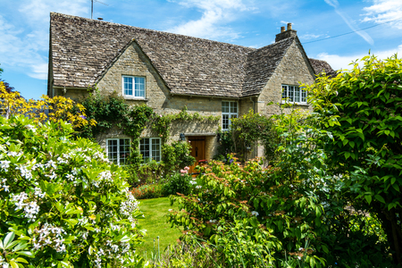 Lovely old cotswold stone house in Witney,Oxfordshire, England, UK 스톡 콘텐츠