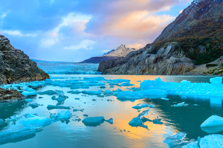 グレイ氷河、パタゴニア、チリ - 氷河の南パタゴニア氷原、山脈デルペイン