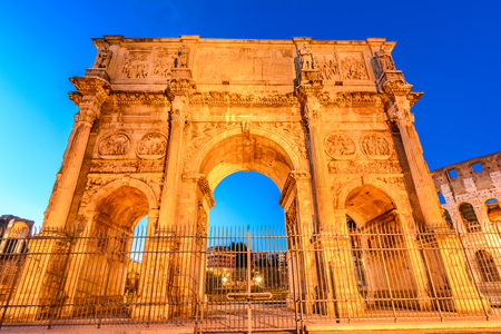constantin: The Arch of Constantine next to the Colosseum in Rome, Italy