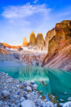 Laguna torres with the towers at sunrise, Torres del Paine National Park, Patagonia, Chile Archivio Fotografico