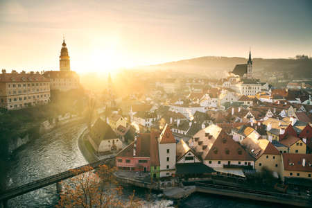 Morning sunrise in Cesky Krumlov, Czech Republic. Historic city center with Vltava river from above Zdjęcie Seryjne