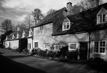 cotswold: Cotswold cottage casa case case casa alloggio di propriet� delle propriet� immobiliari  Archivio Fotografico