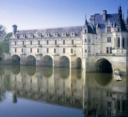 loire: chateau chenonceau loire valley france