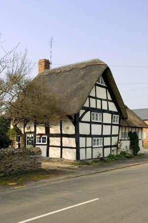 half  timbered: thatched half timbered cottage bidford on avon near stratford upon avon the midlands warwickshire england uk