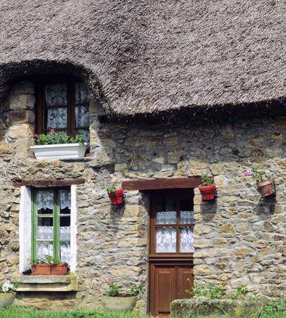 thatched cottage france marzan village la roche bernard morbihan brittany europe