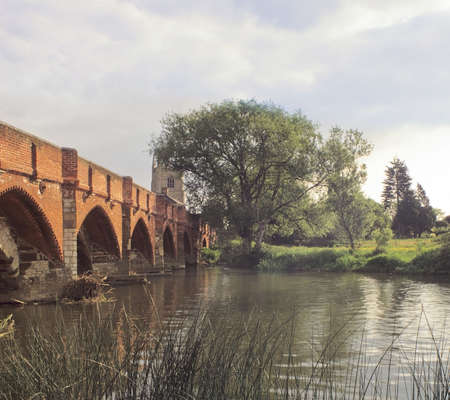 ouse: england home counties bedfordshire the river great ouse medieval bridge great barford Stock Photo