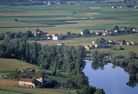 midi: europe france midi pyrenees river lot