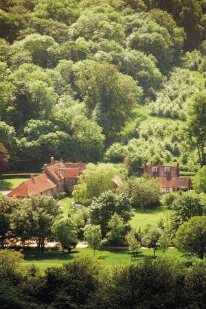 vale: wyświetlanie nad vale aylesbury i coombe wieś z coombe hill buckinghamshire chilterns ścieżki ridgeway