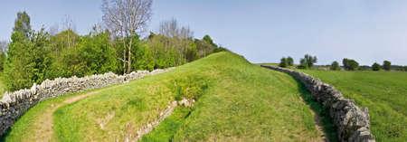 neolithic: Belas Knap neol�tico largo barrow septadas tumba cementerio winchcombe los Cotswolds Gloucestershire inglaterra uk  Foto de archivo