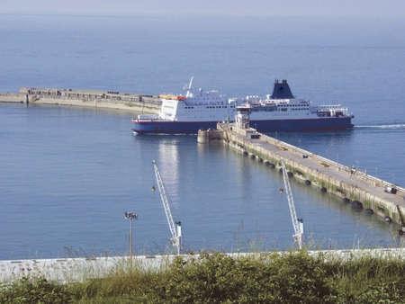 dover: kent dover docks