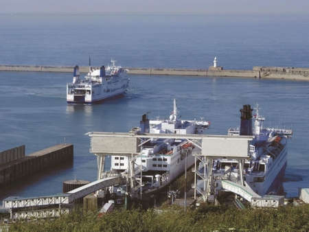 kent dover docks  photo