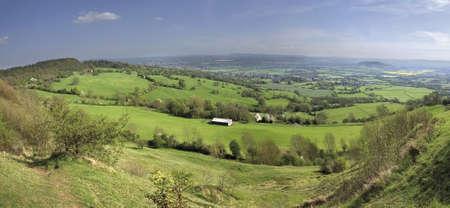 neolithic: Reproducciones de Crickley Hill Country Park, cerca de Gloucester y Cheltenham sitio neol�tico de la Edad de Hierro Hillfort Gloucestershire El Midlands Inglaterra
