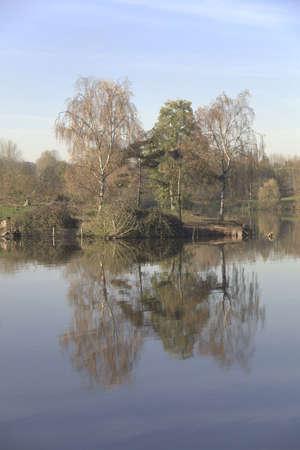 country park: arrow valle del lago del parque pa�s Redditch Worcestershire Midlands Inglaterra Reino Unido