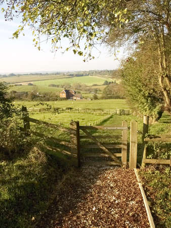 tardebigge: Un cancello pedonale e sul modo monarchi lunga distanza sentiero Tardebigge Worcestershire. Archivio Fotografico
