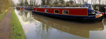 A narrow boat barge on the the worcester and birmingham canal stoke prior worcestershire. Stock Photo - 2302625