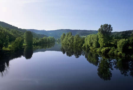 francais: The river lot in the midi pyrenees france.