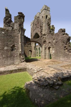 vale: Llanthony Przeorat Opactwo w Vale do Ewyas. Czarny Góry Powys połowie Walia Walia Wielka Brytania Europie.