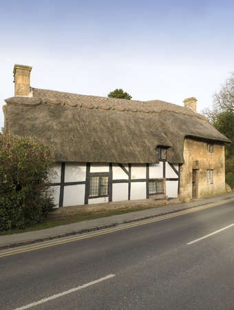 thatched cottage: A thatched cottage broadway cotswolds uk.