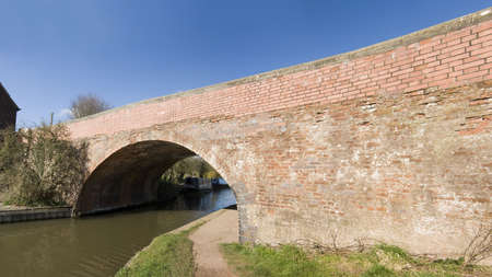 worcester and birmingham canal: A bridge on the worcester and birmingham canal alvechurch worcestershire uk