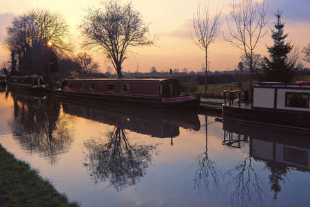 prior: narrow boat barge the worcester and birmingham canal stoke prior worcestershire Stock Photo