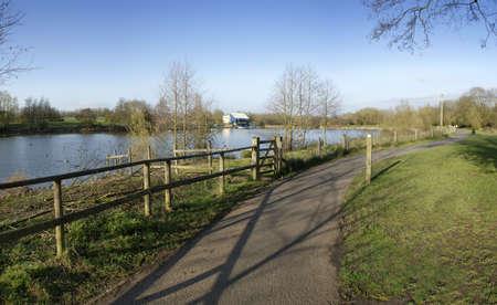 country park: flecha valle lago parque pa�s Redditch Worcestershire inglaterra midlands uk