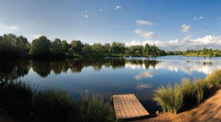 country park: valle de flecha Lake Country Park Redditch Worcestershire Midlands Reino Unido de Inglaterra Foto de archivo