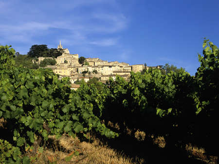 luberon: french hilltop village bonnieux the luberon vaucluse provence south of france europe Stock Photo