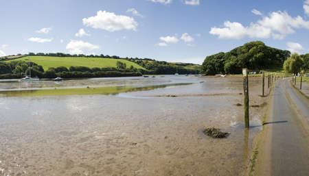 jamones: mareas carretera estuario del r�o Avon aveton Gifford sur jamones Devon England UK
