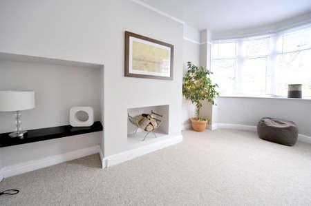 complemento: sala de estar en casa reconstruida recientemente restaurado