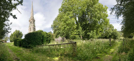 tardebigge: tardebigge chiesa sulla rotta dei Sovrani modo Worcestershire sentiero a lunga distanza