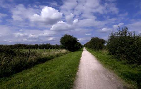 cycleway: sentiero e cycleway la Greenway in disuso e trasformato linea ferroviaria Stratford upon Avon Warwickshire Midlands Inghilterra uk