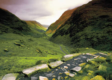 snowdonia: wales gwynedd snowdonia national park the pyg track footpath to snowdon the llanberis pass Stock Photo