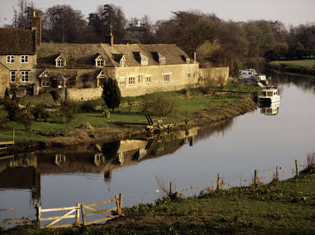 cambridgeshire: village with houses in countryside wansford cambridgeshire river great ouse Stock Photo