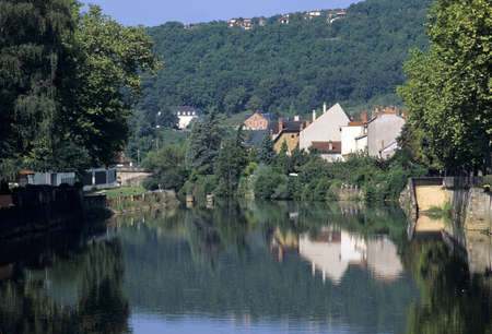 cele: the river cele at figeac in the midi pyrenees Stock Photo