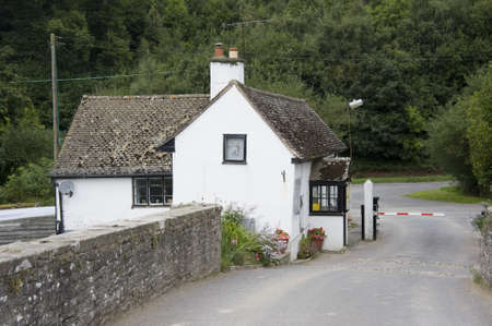 toll: cottage at the toll bridge hay in wye