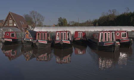 worcester and birmingham canal: marina worcester and birmingham canal alvechurch worcestershire uk
